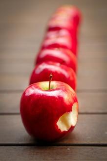 pomme-croquee-gout-eaudesoi.jpg